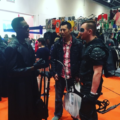 Blade and Green Arrow having a chat
